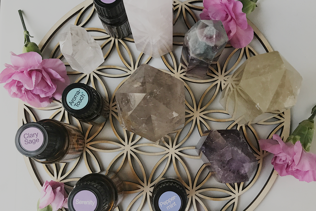 3 Essential Oil and Crystal Combinations to Amplify Your Manifesting Energy